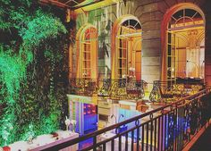 Paris Hotel: The amazing interior design of the Pershing Hall Hotel with its great plant wall.