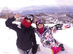 笑顔の大島優子とあいこ