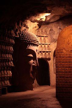 1000 Buddha Mountain, Shandong, China | In #China? Try www.importedFun.com for award winning #kid's #science |