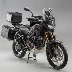 Sw motech setup on the africa twin @swmotech #africatwin #africatwincrf1000l #crf1000l #crf1000lafricatwin #adventure #advrider #adventuremobile