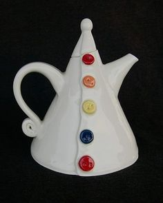 Cute lil' tea pot!