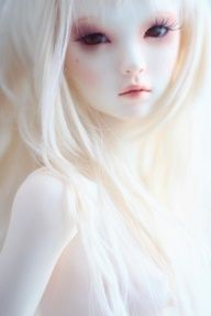 Amazing Japanese BJD doll (ball-jointed) Super white