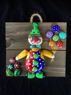No photo description available. No photo description availa - Hobbies paining body for kids and adult Pebble Painting, Pebble Art, Stone Painting, Clay Crafts For Kids, Diy And Crafts, Arts And Crafts, Stone Crafts, Rock Crafts, Rock And Pebbles