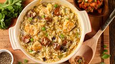 This one pot ground chicken fajita pasta is the perfect busy weeknight rush dinner. Ground chicken paired with warm spices, onions, peppers, creamy sour cream and of course - CHEESE! You'll love how easy this dish is to make and it's only one pot! Egg Noodle Casserole, Cheesy Chicken Noodle Casserole, Casserole Recipes, Casserole Dishes, Tomato Sauce Chicken, Ground Chicken Recipes, Turkey Recipes, Best Casseroles, Chicken Fajitas