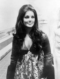 Priscilla Presley 1969 Elvis' opening in Las Vegas International Hotel.