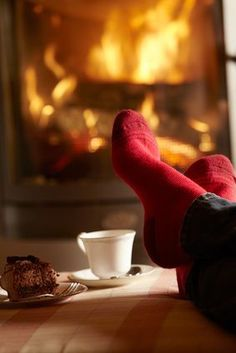 Hot drink + yummy food + wood fire = peace and contentment!