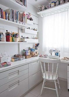 16 Best Ideas For Sewing Studio Space Creative Crafts Sewing Spaces, Sewing Rooms, Home Office Space, Home Office Decor, Coin Couture, Craft Room Design, Sewing Room Organization, Room Inspiration, Room Decor