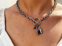 Valentines Gifts For Boyfriend, Boyfriend Gifts, Valentine Gifts, Keep Jewelry, Jewelry Shop, Body Jewelry, Jewelry Ideas, Padlock Necklace, Birthstone Necklace