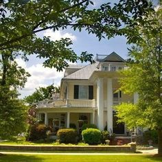 Southern Weekend Getaway: Edenton, North Carolina. Just one turn of Broad Street leads you to the sumptuous and homey Granville Queen Inn, where wicker rockers greet you on a large veranda, breakfast is a delight, and seven pretty guest rooms have private baths and modern comforts along with storied antiques. Coastalliving.com