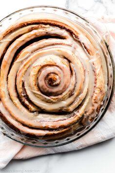 Cinnamon Roll Dough, Cinnamon Rolls, Cinnamon Roll Cakes, Cinnamon Recipe, Baking Recipes, Cake Recipes, Dessert Recipes, Bread Recipes, Easter Recipes