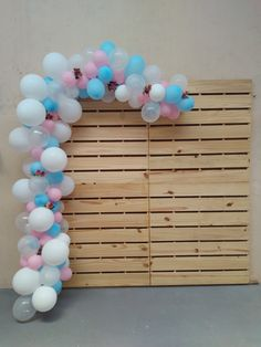 Rental pallet panel Measurements x The bladder arch is optional and is not included in the panel rental value, see value . Safari Theme Birthday, 2nd Birthday Party Themes, 1st Boy Birthday, Birthday Month, Birthday Balloons, 21st Party, Simple Birthday Decorations, Garden Party Decorations, Balloon Decorations