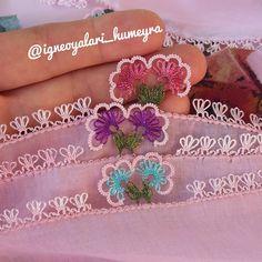 """Hümeyra Bozkurt on Instagram: """"en beğenilen modellerimden birisiyle #tbt  yapalım o zaman hayırlı huzurlu mutlu bir gün geçirmeniz dileğimle 🤗 . . #igneoyası #igneoyasi…"""" Needle Lace, Tatting, Diy And Crafts, Crochet Earrings, Embroidery, Pattern, Instagram, Jewelry, Towels"""