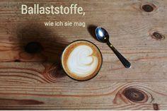 Ballaststoffe im Kaffee? Ja, wieso denn nicht. Ballaststoffe sind wichtig für ein gesundes Leben. Sie regulieren viele wichtige Prozesse in unserem Körper. Deutschland ist jedoch ein Mangelland. Viele von uns glauben, dass man von zu viel Ballaststoffen entweder dick wird, oder unter Blähungen leidet. Das ist nun passé, denn der lösliche Ballaststoff Nobilin ballaststoff Pro löst sich sogar ganz geschmackneutral in Kaffee oder Tee. Tipp: 10% Aktion nutzen.