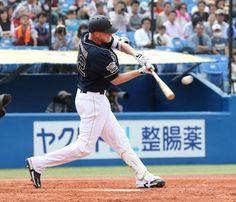 <ヤ・オ>4回1死二塁、ディクソンが中越えに適時二塁打を放つ Photo By スポニチ