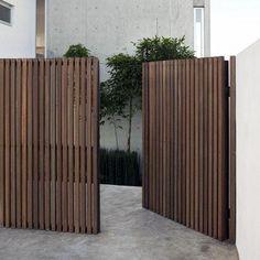 Backyard Gates, Backyard Landscaping, Backyard Designs, Tor Design, Gate Design, String Lights Outdoor, Outdoor Lighting, Modern Fence Design, Side Gates