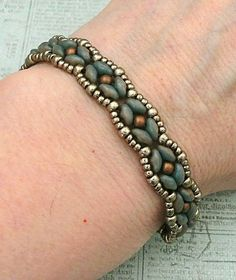 Linda's Crafty Inspirations: Bracelet of the Day: SuperDuo Rosette - Nebula with Pewter & Copper