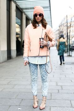#Pastel Streetstyle casual heels and jeans.