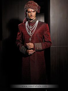 Looking for the best #custom #sherwani #suits online? Explore the high quality bespoke #shervani at great prices http://lnk.al/2UUr