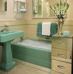 Google Image Result for http://starcraftcustombuilders.com/images/Architecture/1950sGreenBath.jpg