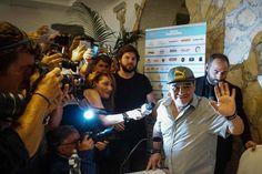 Maradona revoluciona Nápoles, 30 años después | Deportes | EL PAÍS https://deportes.elpais.com/deportes/2017/07/05/actualidad/1499277459_969215.html#?ref=rss&format=simple&link=link