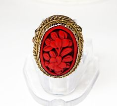 New Listings Daily - Follow Us for UpDates -  Merry Christmas Sale - 20% off Description or Style: Oval #vintage Chinese imported gold tone plated copper ring with cinnabar cabochon. The cab is bezel set and has a twist... #jewelry #teamlove #etsyretwt #ecochic #thejewelseeker ➡️ http://etsy.me/2gS4tTp
