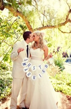 ceremony signs, flag just married, navy blue, romantic , shabby chic, white, Kisses, Spring, vintage , California