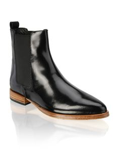 HUMANIC - Lazzarini Leather Boots - http://www.humanic.net/at/Damen/Schuhe/Boots-Stiefeletten/Lazzarini-Glattleder-Boot-schwarz-1223603220