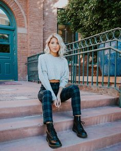 Dr martens outfit fall - Outfits ta Source by babyroomideasme martens outfit fall Dr Martens Outfit, Doc Martens Style, Dr. Martens, Winter Fits, Winter Looks, Trendy Outfits, Cute Outfits, Fashion Outfits, Fall Winter Outfits