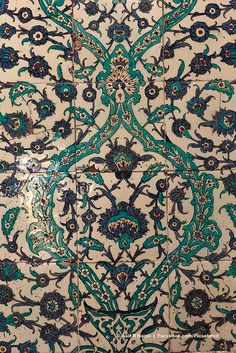 Topkapi Palace, Istanbul, Turkey    I LOVE this Iznik tile with the blue and turquoise.