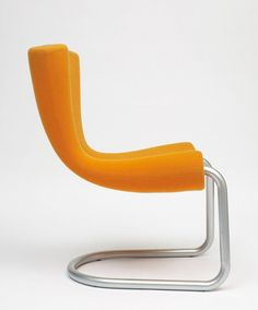 Newson designed the 'Komed chair' in This orange fabric chair was designed for the 'Canteen Restaurant' in Soho New York City. I love the retro orange and look of this chair! Deco Furniture, Cool Furniture, Latest Furniture Designs, Interior Design Boards, Id Design, Plastic Design, Futuristic Furniture, Take A Seat, Chair Fabric