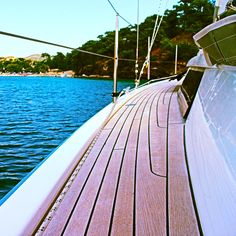 Midday stop for swimming #sailingyacht #yachting #sailing #vacation #summer #travelling #woodendeck #luxury #class #sea #sun # greece #islandlife #greekislands #swimming #joy #goodlife #lifeonboard