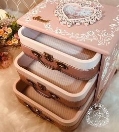 Suitcase, Shabby Chic, Diy, Drawers, Scrap, Country, Decoupage On Wood, Make Up Organiser, Vintage Crates