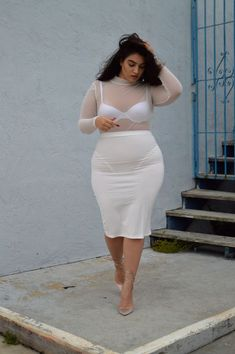 Plus Size Fashion - Nadia AboulhosnAll White & Transparence: Pencil Skirt and Mesh Top worn by Nadia AboulhosnMillennials share their 'power outfits' only to prove that the way you dress can be empowering -I love chubby girls ❤️❤️Curvy Friend Look Plus Size, Plus Size Model, Plus Size Girls, Curvy Girl Fashion, Plus Size Fashion, Trendy Fashion, Fashion Ideas, Women's Fashion, Plus Size Dresses