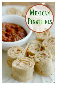 Mexican Pinwheels : Perfect for Quick Lunches, Fun Appetizers, and easy Lunchbox Additions! Mexican Appetizers, Great Appetizers, Mexican Potluck, Vegetarian Appetizers, Appetizer Recipes, Spicy Recipes, Great Recipes, Favorite Recipes, Family Recipes