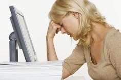 Best woman menopause manual ever. We have gathered all the information about menopause relief. Want to know what is menopause? We know what to expect during menopause. Health Guru, Health Class, Health Trends, Health Tips, Mental Health, Womens Health Magazine, Burn Out, Mental Training, Pregnancy Health