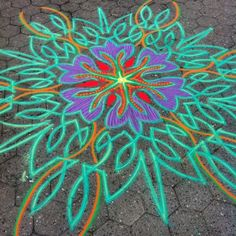 Over by coffee shop at Union sq today.    Follow me on Facebook http://www.facebook.com/joe.mangrum.art When sharing please include my links Ⓒ 1994-2014 Joe Mangrum http://www.joemangrum.com #sandart #sandpainting #NYC @Joe Mangrum #colorful #art #streetart #art #streetlife