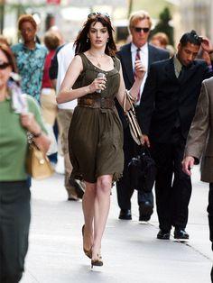 Dark olive dress with brown belt // Anne Hathaway in Devil Wears Prada