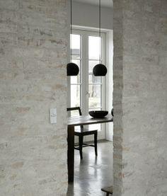 paredes rústicas de ladrillo blanqueado