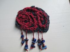 Crochet brooch with beads