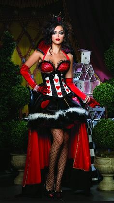Rave outfit for the queen of hearts