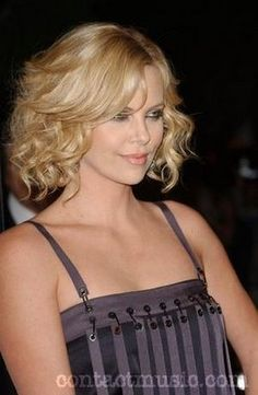 layered curly bob hairstyle, if I ever have short hair!