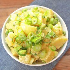 Francouzský bramborový salát Cantaloupe, Potato Salad, Potatoes, Fruit, Ethnic Recipes, Food, Potato, Hoods, Meals