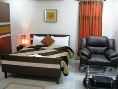 Nirmal Villa Luxury Service Apartments in Hitech City is good with respect to high five hotels. Nirmal Villa provides you single rooms, double rooms, and tripple rooms for each floor. We offer you big size T.V with cable connectioin, high speed WIFI acess, round clock security in all rooms; 24 hours power supply, daily news paper and etc. Our service apartments are located at center of the city in hyderabad and Secunderabad. We provide you hotels in Trimulgherry, Paradise and etc.