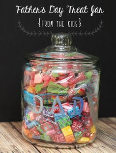 Things I need to do for father's day! DIY Father's Day Treat Jar {your choice of treats} Diy Father's Day Treats, Diy Father's Day Gifts Easy, Homemade Fathers Day Gifts, First Fathers Day Gifts, Father's Day Diy, Gifts For Dad, Diy Gifts, Birthday Presents For Him, Birthday Gifts For Girlfriend