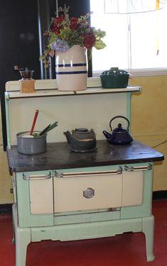 Old stove at Happy Apple Farm. My Grandma had 1 like this!