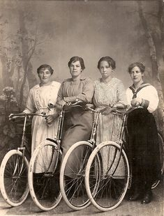 photo from 1920.  and the same bikes are made today!