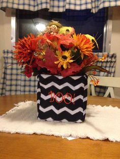 Spruce up your fall centerpiece with a Littles Carry-All Caddy! Thirty One Gifts 2015.  Join my FB. group,a place for my Customers and new future Customers!  NO 31 Consultants please! Thanks https://www.facebook.com/groups/221123648035423/
