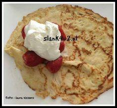 Mozzarella pannenkoekjes Portie van 4 stuks + 100 gr aardbeien is 8.4 g koolhydraten, 48 g vet, 33.8 proteine. 601 kcal