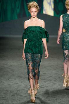 models-on-the-runway:    vera wang s/s 2013
