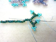 Coraling Technique http://www.artbeads.com/seed-bead-coraling-technique.html